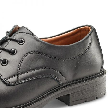 click managers smart safety shoes close up